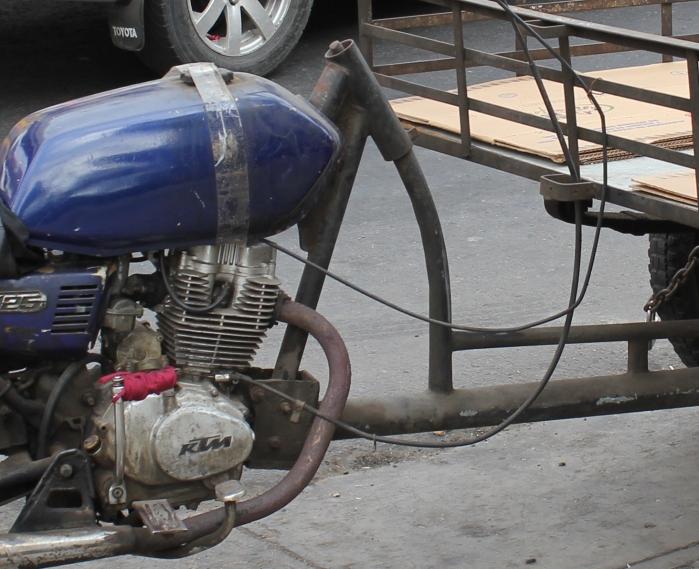 bike truck attachment close up c